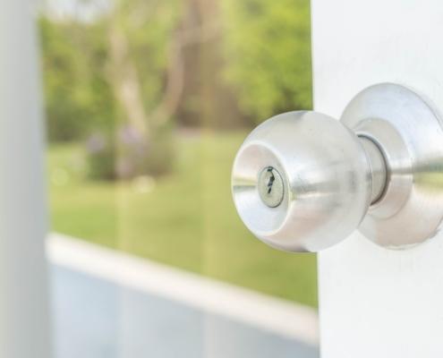 Cofersa - Blog - Soluciones para hacer una casa accesible para discapacitados - Pomo puerta minusválidos