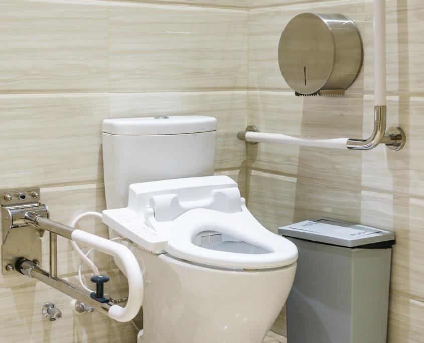 Cofersa - Blog - Soluciones para hacer una casa accesible para discapacitados - Baño completo minusválidos