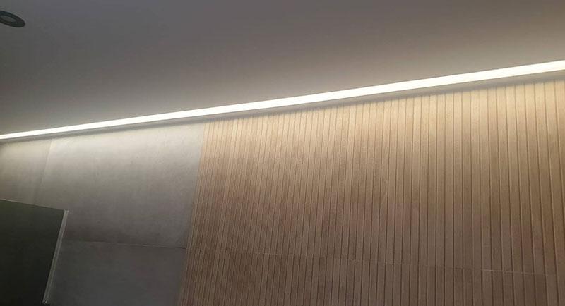 luces-techo-baño-blog-cofersa