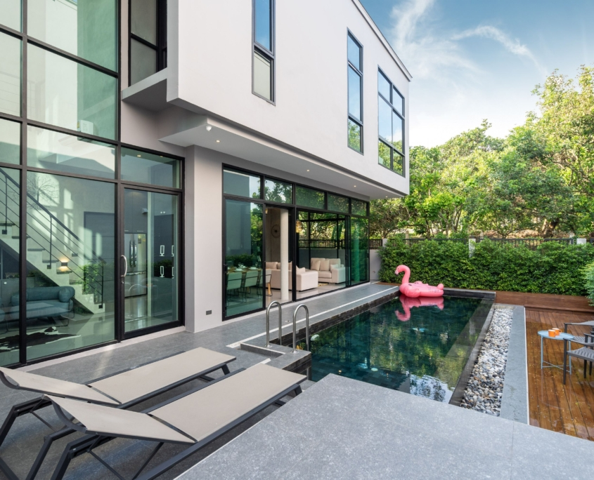 Cofersa - Construcción y reformas - Blog - Ideas de reformas pre-verano - piscina moderna