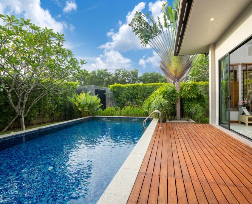 Cofersa - Construcción y reformas - Blog - Ideas de reformas pre-verano - piscina con madera