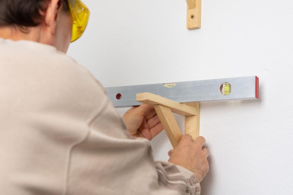 Cofersa - Blog- Cómo colgar cualquier cosa en tu casa - Nivel